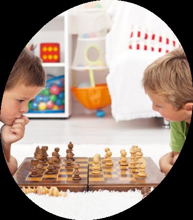kids-playing-chess